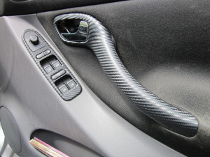 carbon-fibre-wrapped-door-handles